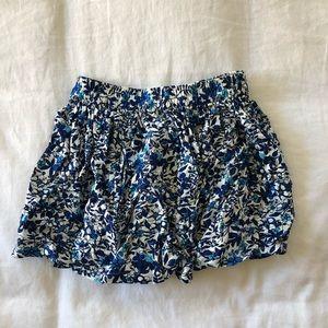 Girls skirt w/ blue flowers sz 4